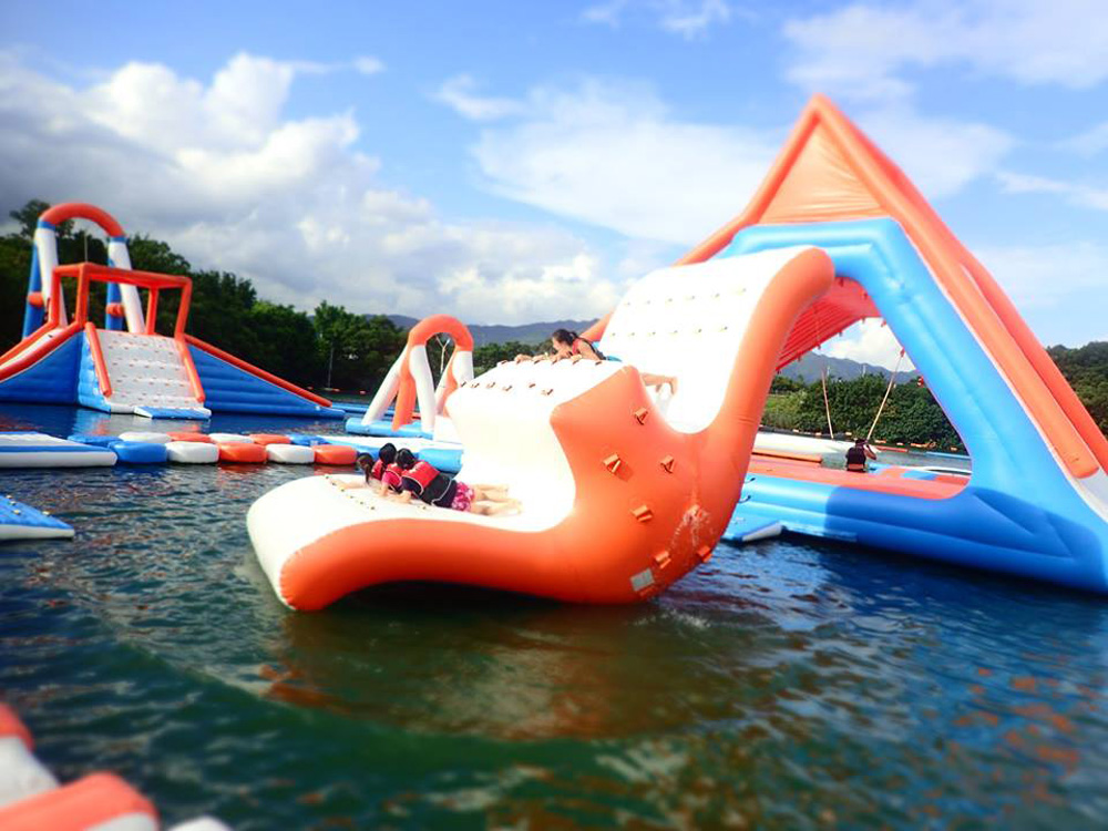 Bouncia -Find Inflatable Floating Water Obstacle Course Aqua Park Manufacturer-24