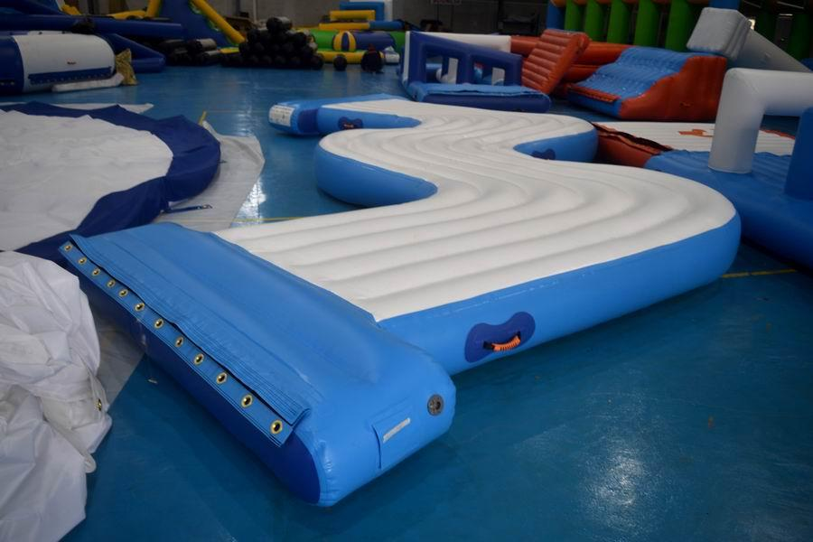 Bouncia W corner floating For Water Park