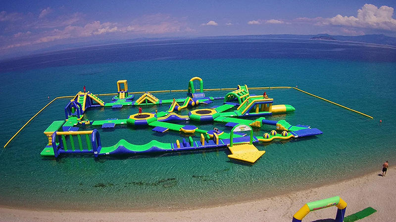 155 Capacity Water Park Inflatable Sports In Greece