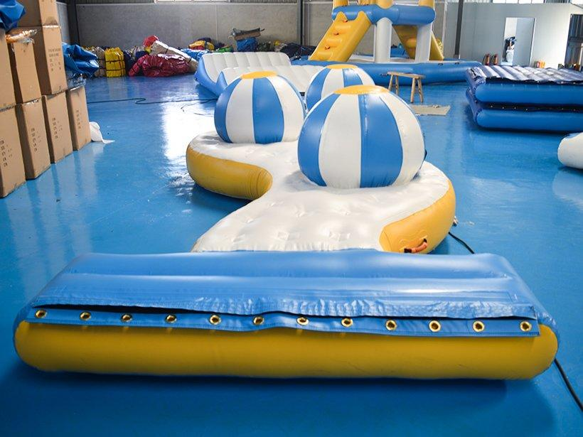 Custom made inflatable water games guard Bouncia
