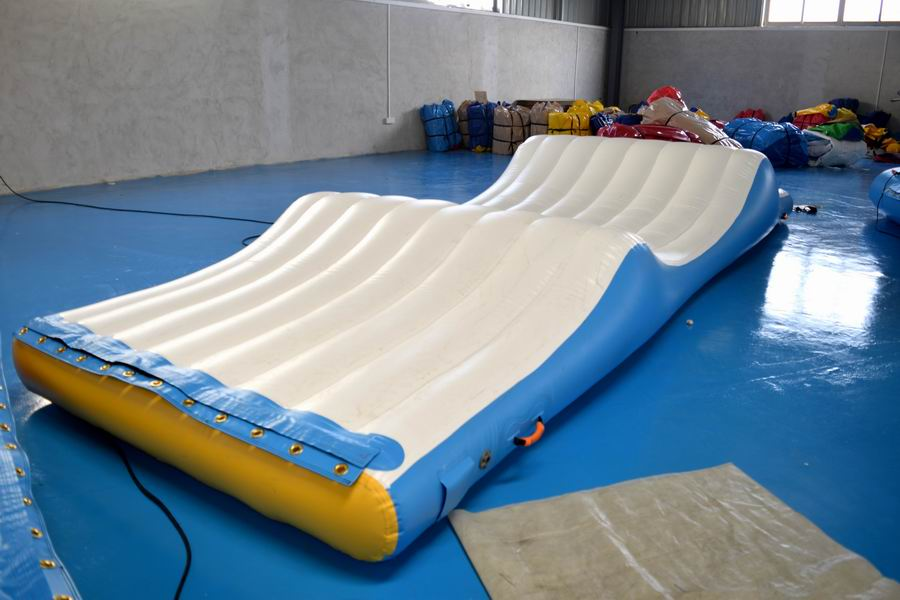 aquapark inflatable water park