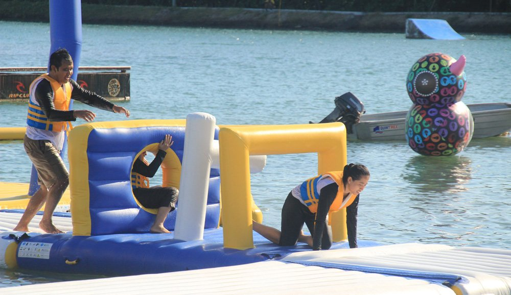 Custom inflatable water slide park obstacle company for lake-6