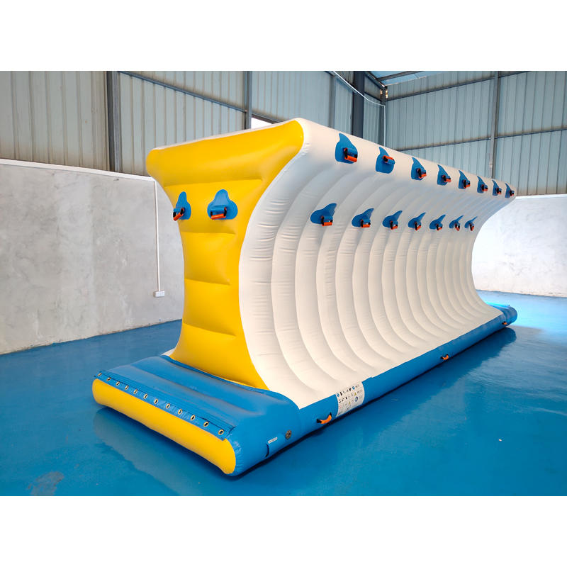 Durable Inflatable Climbing Wall With TUV Certificate