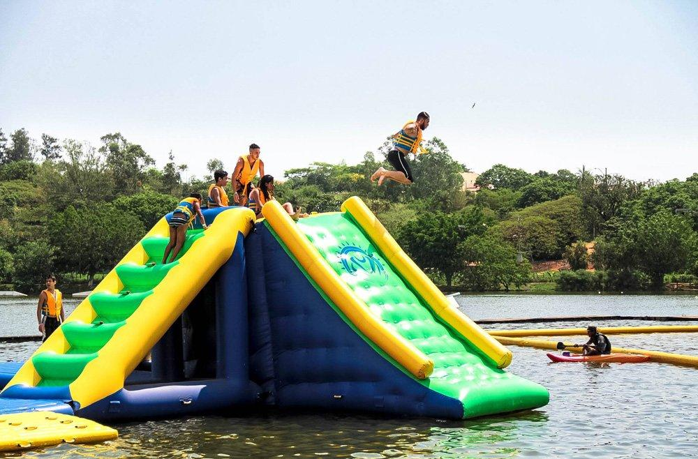 Bouncia 100 people inflatable water play factory price for lake