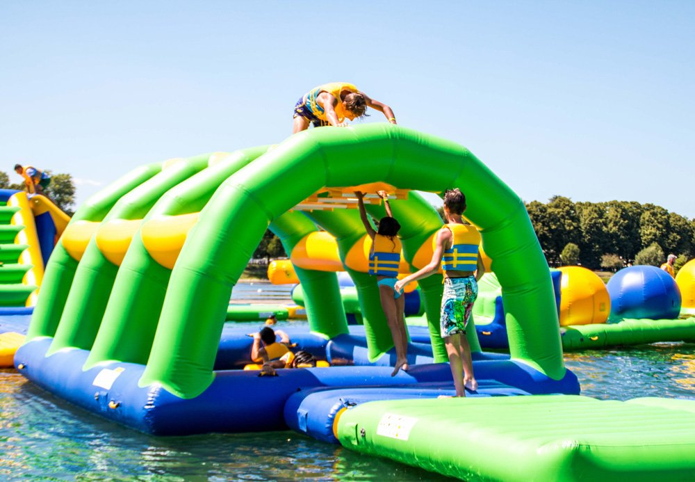 Bouncia 100 people inflatable water play factory price for lake-25