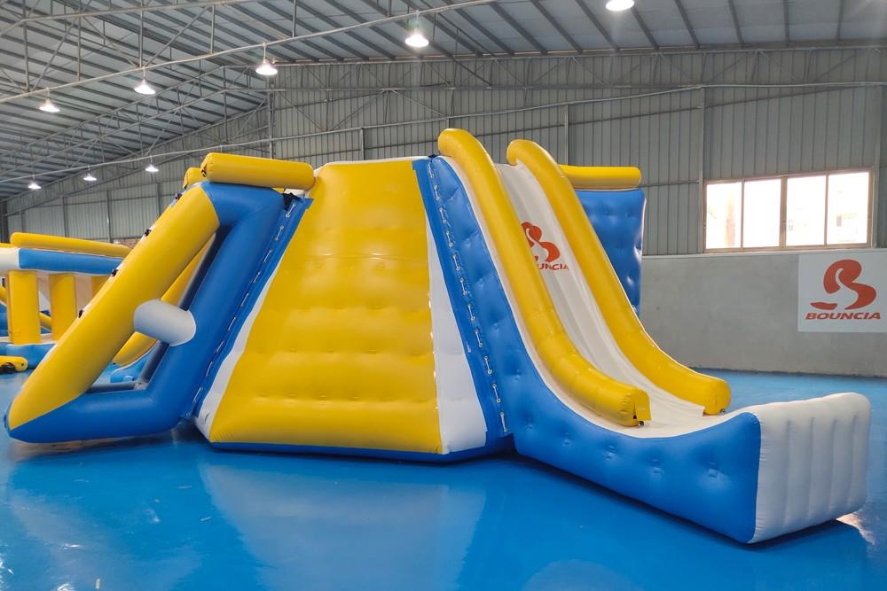 Bouncia -Find Inflatable Assault Course Awesome All In One Station Inflatable-1